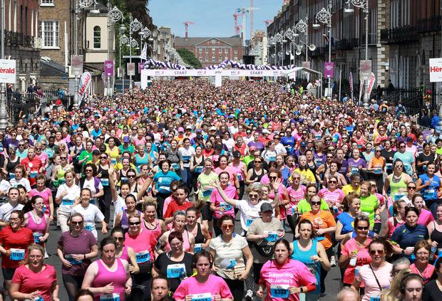 On the move: The field makes its way through the streets of Dublin. Photo: Frank McGrath