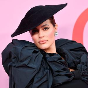 US model Ashley Graham arrives for the 2019 CFDA fashion awards at the Brooklyn Museum in New York City on June 3, 2019. (Photo by ANGELA WEISS / AFP)