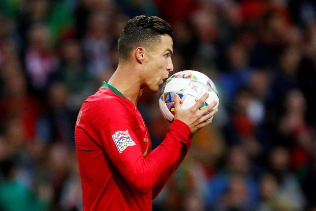 Portugal's Cristiano Ronaldo prepares to take a penalty. Photo: Reuters/Susana Vera