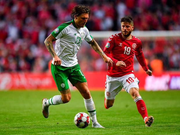 Jeff Hendrick of Republic of Ireland in action against Lasse Schöne of Denmark. Photo: Seb Daly/Sportsfile