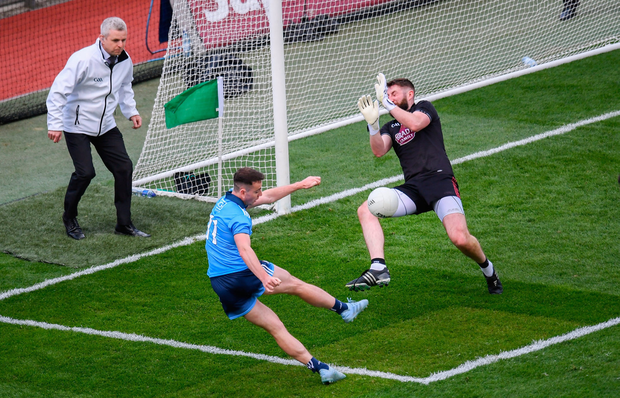 Mark Donnellan of Kildare saves from Cormac Costello of Dublin during the Leinster GAA Football Senior Championship semi-final match at Croke Park in Dublin. Photo by Stephen McCarthy/Sportsfile