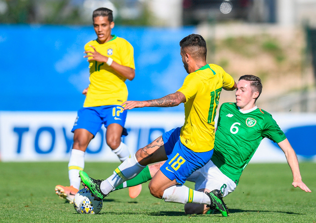 Conor Coventry of Ireland in action against Matheus Henrique of Brazil. Photo by Alexandre Dimou