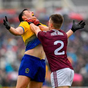 Diarmuid Murtagh of Roscommon and Eoghan Kerin of Galway tussle off the ball during the Connacht GAA Football Senior Championship Final match between Galway and Roscommon at Pearse Stadium in Galway. Photo by Seb Daly/Sportsfile