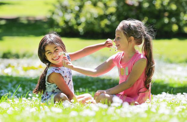 Eilidh Kakkar (4) and Dafne Alsberga (6) in the National Botanic Gardens. Photo: Gerry Mooney