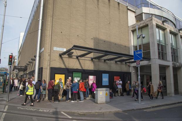 "Queues for Roddy Doyles ""Two Pints"" at The Abbey Theatre. (Photo: Colin O'Riordan)"