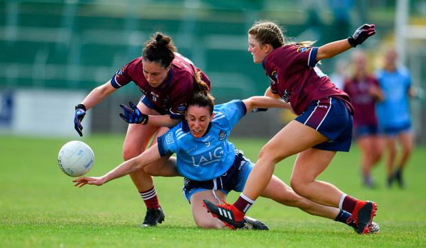 Siobhan McGrath of Dublin in action against Maud Annie Foley, left, and Nicole Feery of Westmeath. Photo by Sam Barnes/Sportsfile
