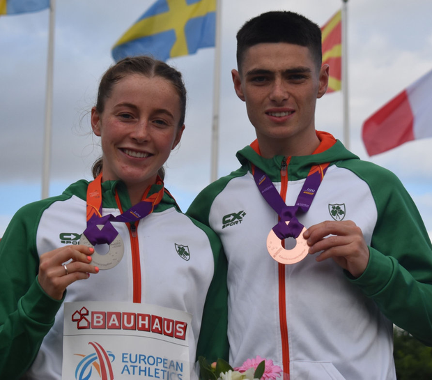 Sarah Healy and Darragh McElhinney pose with their medals at the European U-20 Championships in Sweden yesterday