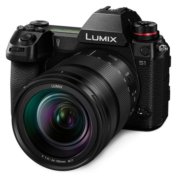 Panasonic Lumix S1 with 24-105mm.jpg