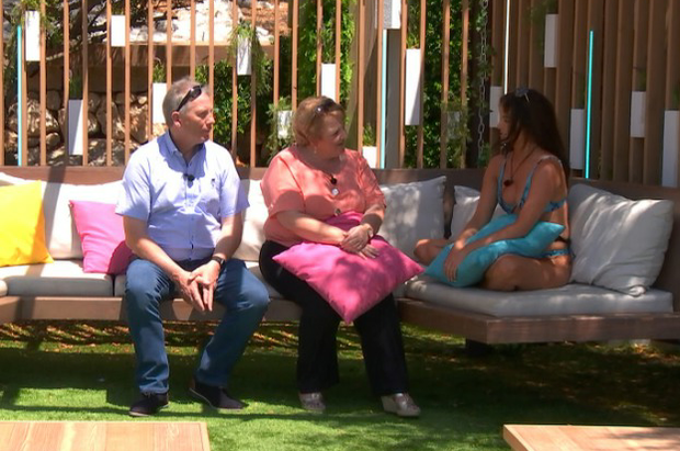 Maura meets her parents on Love Island