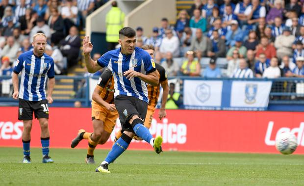 Fernando Forestieri of Sheffield Wednesday scores a goal from a penalty spot. (Photo by George Wood/Getty Images)