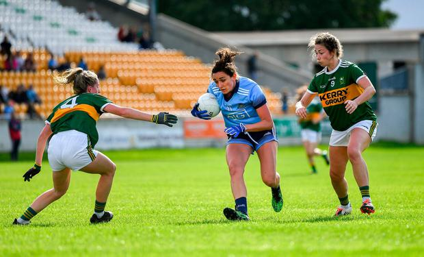 Niamh McEvoy of Dublin in action against Julie O'Sullivan, left, and Amanda Brosnan of Kerry. Photo: Piaras Ó Mídheach/Sportsfile