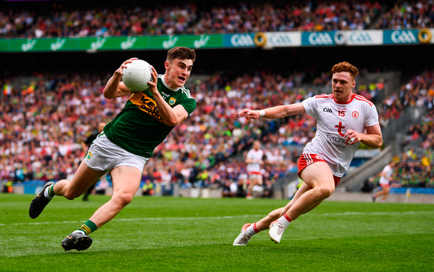 Seán O'Shea of Kerry in action against Conor Meyler of Tyrone during the GAA Football All-Ireland Senior Championship Semi-Final match between Kerry and Tyrone at Croke Park in Dublin. Photo by Stephen McCarthy/Sportsfile