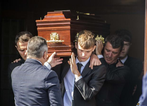 Roy Keane is among the pall-bearers at the Requiem Mass for his father Maurice 'Mossie' Keane