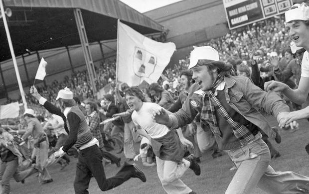 G.A.A. Dublin v Galway, 22 September 1974. All-Ireland Senior Football Championship Final: Dublin 0-14, Galway 1-6. Pic: Tom Burke (Part of the National Photgraphic Archives and Independent Newspapers Collection)