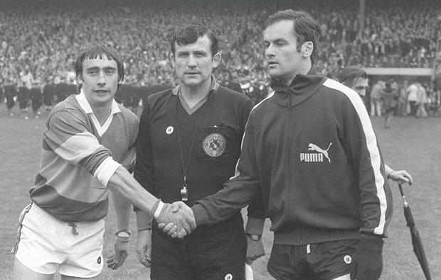 24 September 1978; Denis Moran, (left) Kerry captain shakes hands with Tony Hanahoe, Dublin captain watched by referee Seamus Aldridge, Kerry v Dublin, All Ireland Football Final, Croke Park, Dublin Picture credit: SPORTSFILE/ Connolly Collection