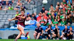 Róisín Leonard of Galway kicks the winning point from a free during the TG4 All-Ireland Ladies Senior Football Championship Semi-Final match between Galway and Mayo at Croke Park in Dublin. Photo by Brendan Moran/Sportsfile