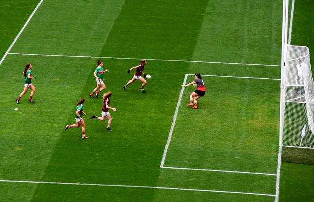 Mairéad Seoighe gets in to score Galway's second goal. Photo: Eóin Noonan/Sportsfile