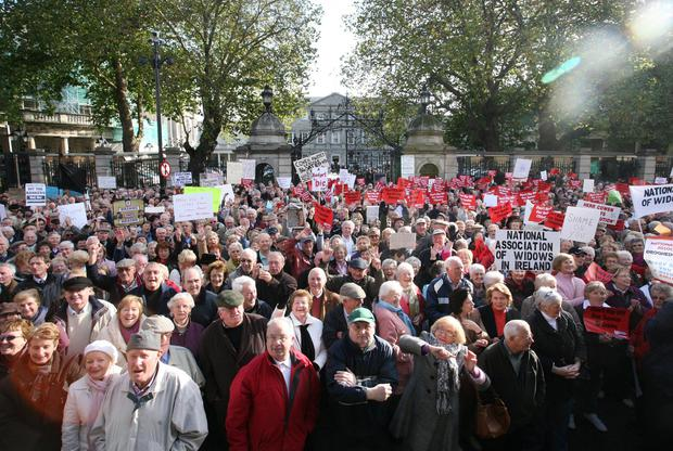 Pensioners protest outside the Dáil in 2008 after a Fianna Fáil proposal to increase the threshold for over-70s medical cards. PHOTO: COLLINS