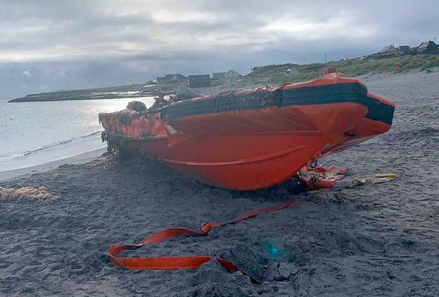 An American military coastguard boat that has washed up off the coast of Co. Clare. Doolin Ferry Co/PA Wire