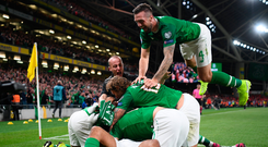 Republic of Ireland players celebrate with after David McGoldrick scored their side's first goal during the UEFA EURO2020 Qualifier Group D match between Republic of Ireland and Switzerland at Aviva Stadium, Dublin. Photo by Stephen McCarthy/Sportsfile