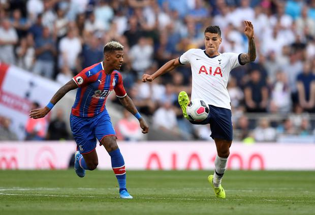 Crystal Palace's Patrick van Aanholt in action with Tottenham Hotspur's Erik Lamela. Photo: Reuters/Tony O'Brien