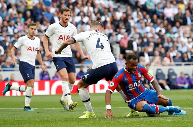 Crystal Palace's Jordan Ayew in action with Tottenham Hotspur's Toby Alderweireld. Photo: REUTERS/David Klein