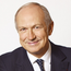 Jean-Paul Agon: Said social media filters boosted make-up sales
