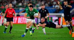 Jacob Stockdale goes on the attack against Scotland. Photo by Brendan Moran/Sportsfile