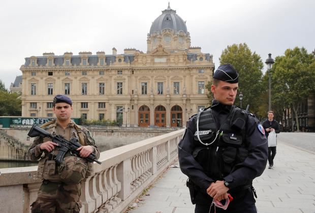French police secure the area in front of the Paris Police headquarters in Paris, France, October 3, 2019. Picture: REUTERS/Philippe Wojazer