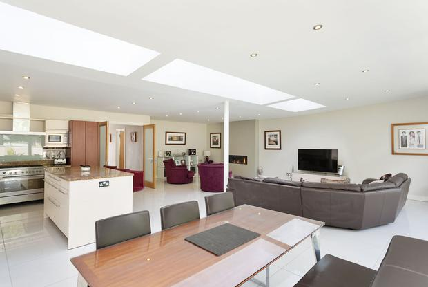 The open-plan kitchen/dining room at No15