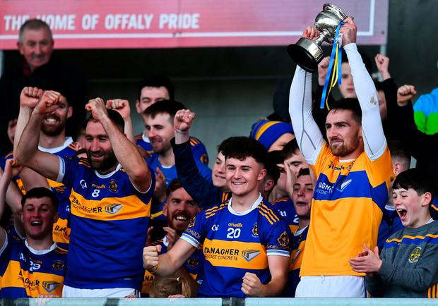 20 October 2019; Conor Clancy lifts the trophy for St. Rynagh's following their Offaly Senior Club Hurling Championship final victory over Birr in Tullamore. Photo: Harry Murphy/Sportsfile