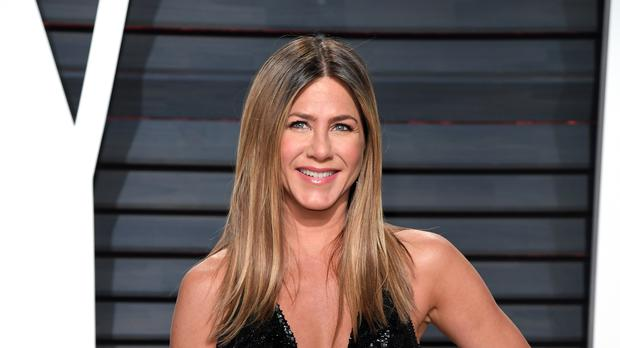 Jennifer Aniston Paid Tribute to Julia Roberts in a Pantsless Instagram