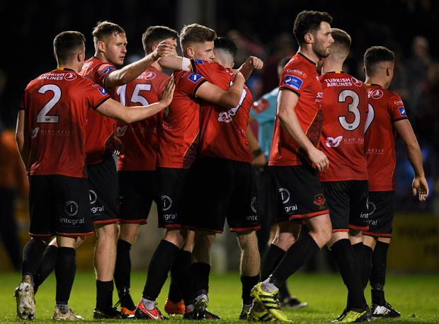 25 October 2019; Jamie Hollywood of Drogheda United, centre, celebrates with team-mates after scoring his side's sixth goal of the game during the SSE Airtricity League First Division Promotion / Relegation Play-off Series 2nd Leg between Drogheda United and Cabinteely at United Park in Drogheda, Co. Louth. Photo by Eóin Noonan/Sportsfile