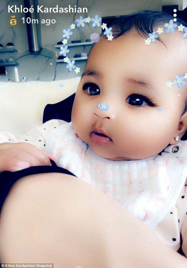 Khloé Kardashian constantly puts filters on pictures of her daughter on Snapchat