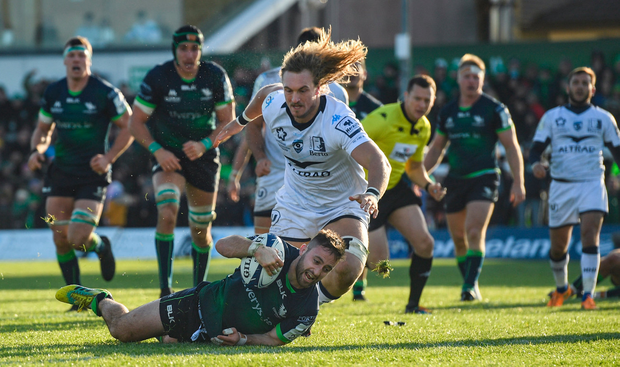 Sharp Blade: Caolin Blade dives over to score Connacht's third try against Montpellier. Photo by Ramsey Cardy/Sportsfile