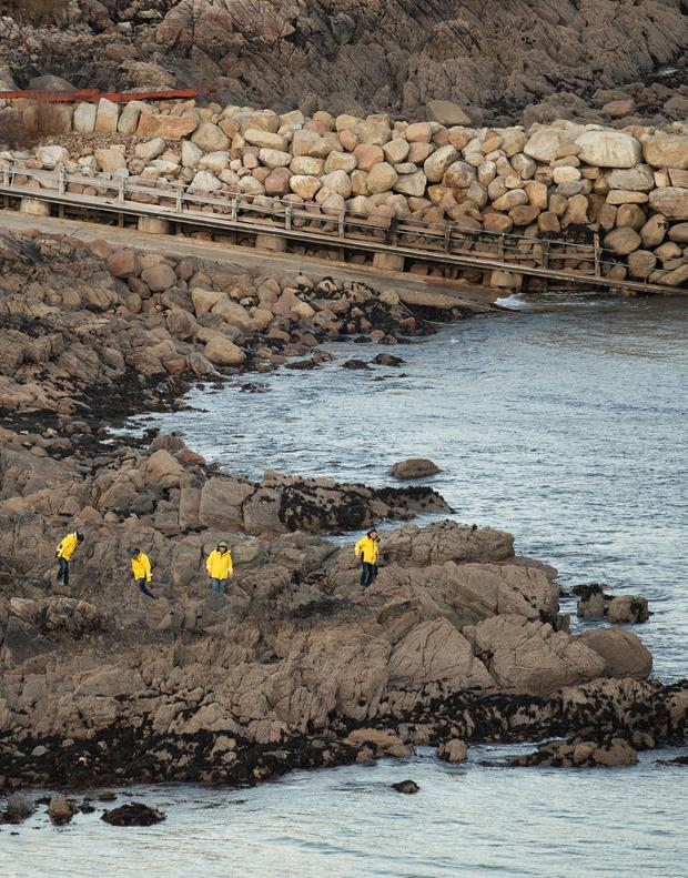 Man drowns after auto slips off Co Donegal island pier