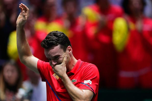 Spain's Roberto Bautista Agut reacts after defeating Canada's Felix Auger-Aliassime 7/6, 6/3 in their their tennis singles match of the Davis Cup final in Madrid, Spain, Sunday, Nov. 24, 2019. (AP Photo/Manu Fernandez)