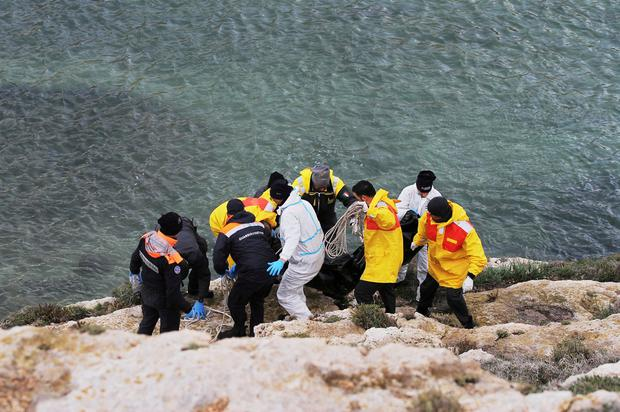 Italian coast guard recovers 7 bodies of migrants off island