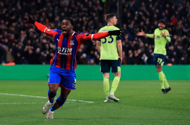 Crystal Palace's Jeffrey Schlupp celebrates scoring his side's first goal of the game during the Premier League match at Selhurst Park, London. Adam Davy/PA Wire.