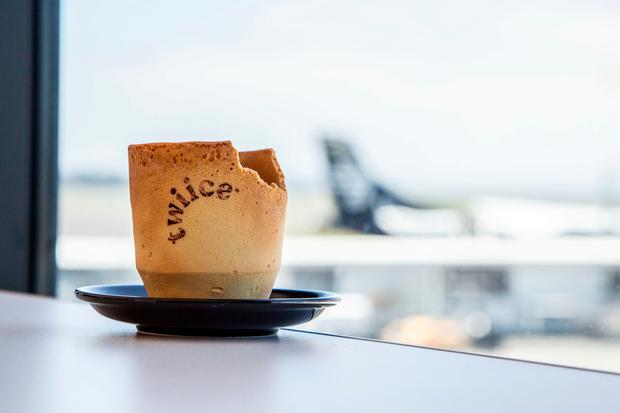 Airline trials edible coffee cups in bid to battle waste