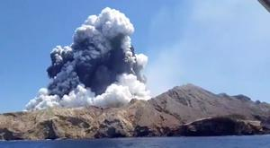 Deadly: The eruption from the White Island volcano rises to 3,660m. Photo: INSTAGRAM @ALLESSANDROKAUFFMANN/via REUTERS
