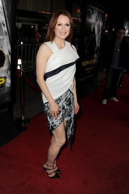 """WESTWOOD, CA - FEBRUARY 24:  Actress Julianne Moore attends the premiere of Universal Pictures and Studiocanal's """"Non-Stop"""" at Regency Village Theatre on February 24, 2014 in Westwood, California.  (Photo by Kevin Winter/Getty Images)"""