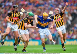 7 September 2014; Richie Hogan, Tipperary, in action against Paddy Stapleton, Brendan Maher, and Kieran Bergin, Kilkenny. GAA Hurling All Ireland Senior Championship Final, Kilkenny v Tipperary. Croke Park, Dublin. Picture credit: Pat Murphy / SPORTSFILE
