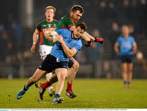14 March 2015; Kevin McManamon, Dublin, in action against Seamus O'Shea, Mayo. Allianz Football League Division 1 Round 5, Mayo v Dublin. Elverys MacHale Park, Castlebar, Co. Mayo. Picture credit: Piaras ? M?dheach / SPORTSFILE