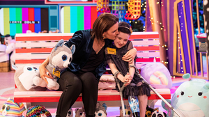 Saoirse Ruane pictured with her mum at The Late Late Toy Show 2020 Photo: Andres Poveda Photography