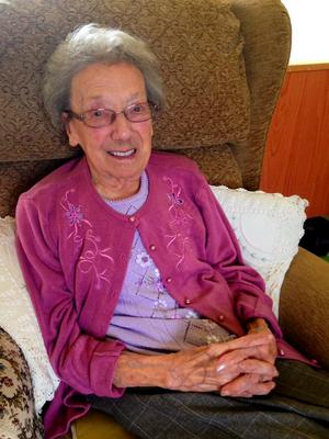 An appeal to make sure Winnie who has no family has 100 cards to open on her 100th birthday has gone viral.