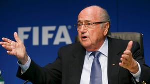 FIFA President Sepp Blatter gestures as he addresses a news conference after a meeting of the FIFA executive committee in Zurich in this March 20, 2015 file picture. REUTERS/Arnd Wiegmann/Files