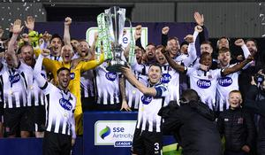 The Dundalk squad celebrate with the SSE Airtricity League Premier Division trophy at Oriel Park last October. Photo by Stephen McCarthy/Sportsfile