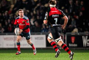 JJ Hanrahan, Munster, in action against Newport Gwent Dragons. Guinness PRO12, Round 8, Newport Gwent Dragons v Munster, Rodney Parade, Newport, Wales. Picture credit: Steve Pope / SPORTSFILE