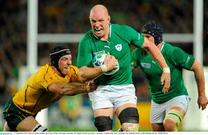 17 September 2011; Paul O'Connell, Ireland, races clear of Dan Vickerman, Australia. 2011 Rugby World Cup, Pool C, Australia v Ireland, Eden Park, Auckland, New Zealand. Picture credit: Brendan Moran / SPORTSFILE